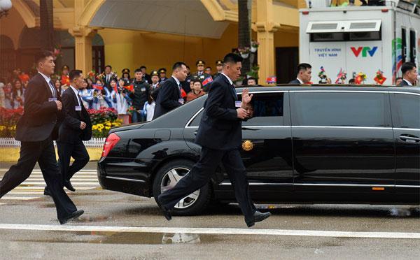 Tiết lộ những thông tin tối mật về 12 cận vệ được coi là lá chắn sống của Chủ tịch Kim Jong Un-7