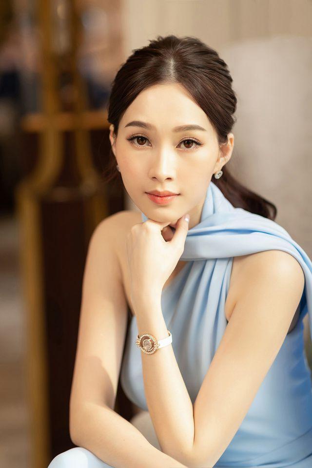 Hoa hậu Đặng Thu Thảo: Cứ im lặng là auto xinh, hễ phát ngôn là chấn động showbiz Việt-1