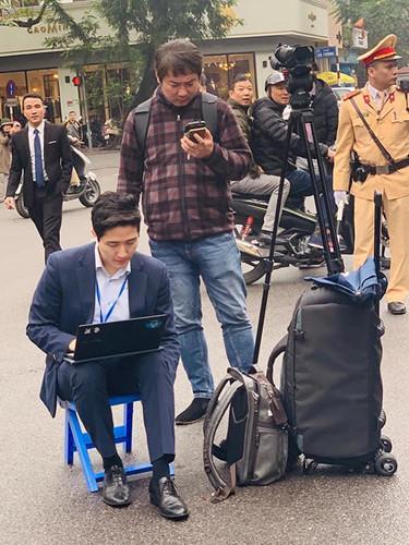 Lộ danh tính nam phóng viên cực phẩm tác nghiệp tại thượng đỉnh Mỹ - Triều-5