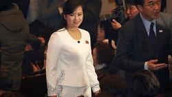 Nhan sắc nữ ca sĩ quyền lực nhất Triều Tiên theo chân ông Kim Jong-un tới Hà Nội