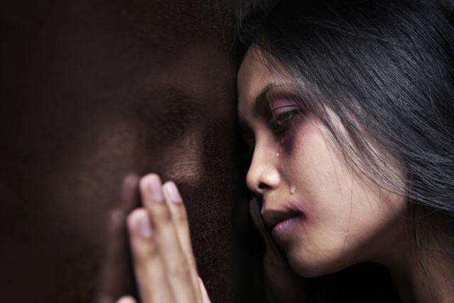 Bị bạn trai bạo hành, cô gái mù một mắt và chỉ còn 20% thị lực ở mắt còn lại-3