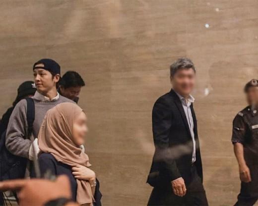 Cận cảnh nhan sắc cô gái bị nghi là con giáp 13 của Song Joong Ki: Kém Song Hye Kyo chắc phải 10 bậc-8