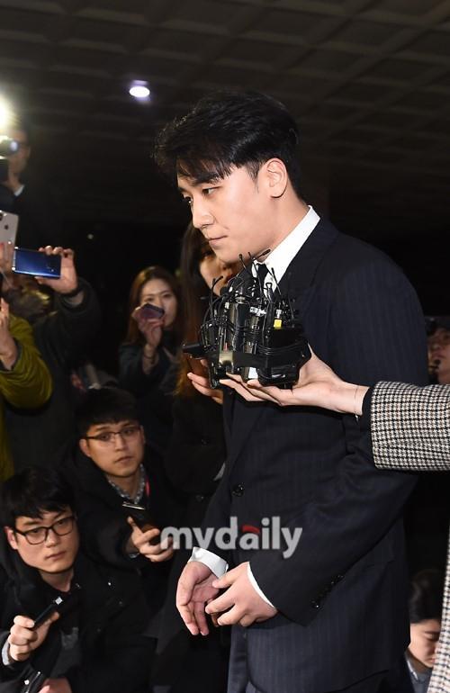 Toàn cảnh Big Bang Seungri và nguy cơ vướng vòng lao lý với scandal buôn bán ma túy, môi giới mại dâm-9