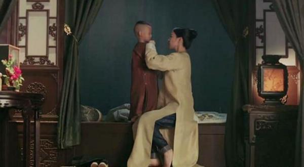 Thái tử mặc quần Adidas, vua Càn Long đi giầy sneaker... chẳng có gì là không thể ở phim cổ trang Trung Quốc-6