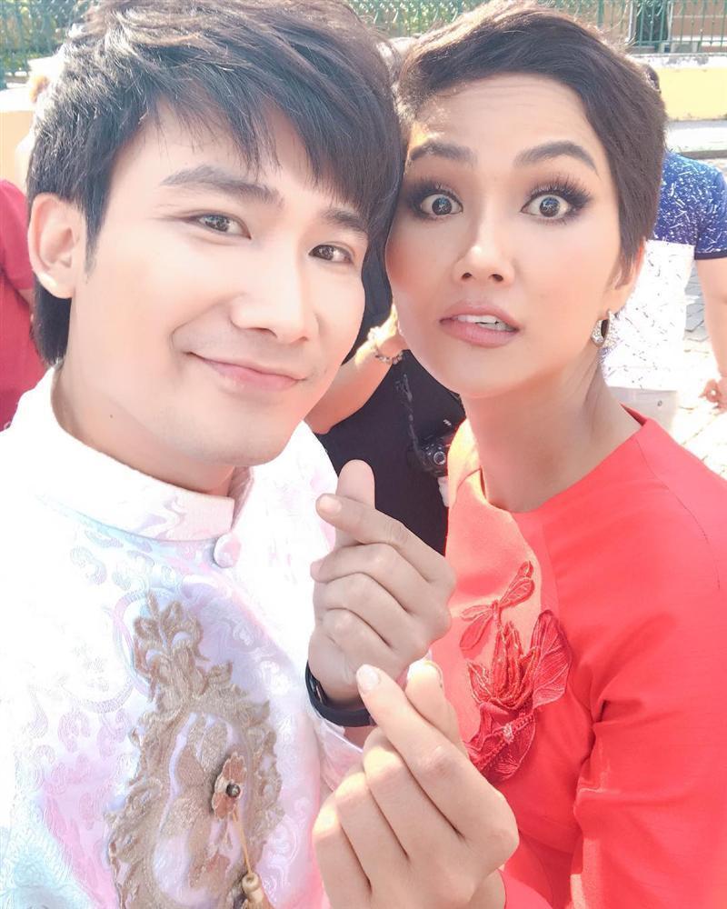 Chí Thiện học đòi theo HHen Niê thực hiện cú xoay thần thánh ở Miss Universe và cái kết-4