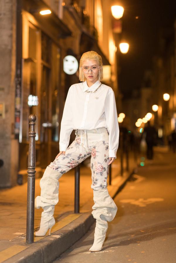 SAO MẶC XẤU: Diva Hồng Nhung rườm rà - siêu mẫu 70 tuổi diện bodysuit mém lộ hàng-5