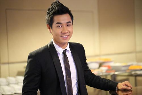 Mặt khác lạ dính nghi án phẫu thuật thẩm mỹ, MC Nguyên Khang bị ví như bản sao của Quyền Linh-6