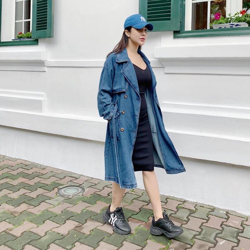 STREET STYLE SAO VIỆT: Hà Hồ khoe vòng 1 táo bạo với mốt áo trong suốt - Sơn Tùng mặc quần đùi đi dép lê vẫn đẳng cấp-3