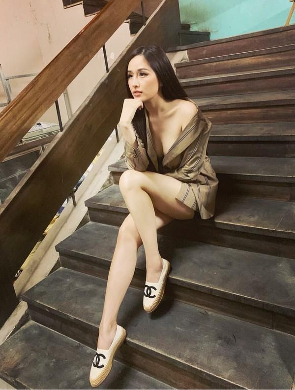 STREET STYLE SAO VIỆT: Hà Hồ khoe vòng 1 táo bạo với mốt áo trong suốt - Sơn Tùng mặc quần đùi đi dép lê vẫn đẳng cấp-5