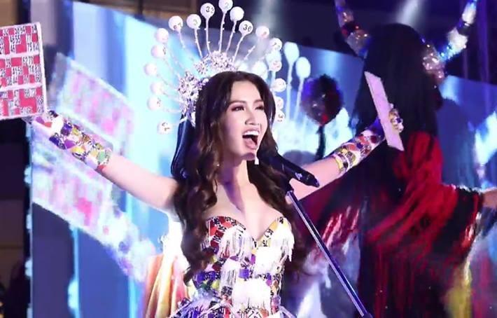 Nhật Hà trình diễn quốc phục thiếu lửa, trượt giải tài năng tại Hoa hậu Chuyển giới Quốc tế 2019-1