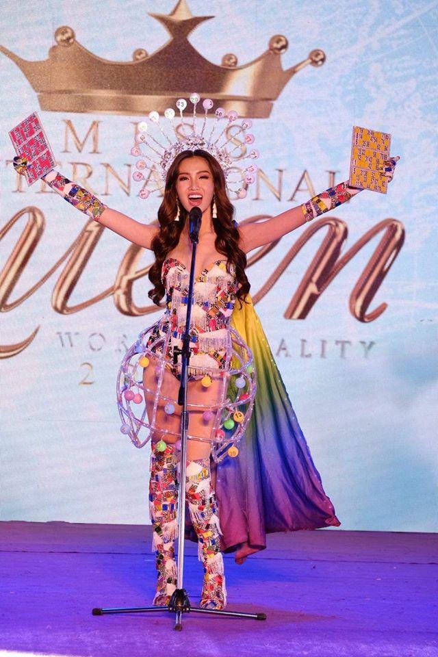 Nhật Hà trình diễn quốc phục thiếu lửa, trượt giải tài năng tại Hoa hậu Chuyển giới Quốc tế 2019-2
