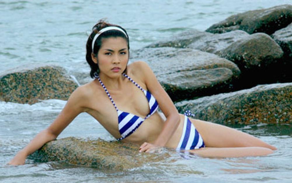 Khoe thân gợi cảm với bikini, những mỹ nhân này đã thiêu đốt màn ảnh Việt-8