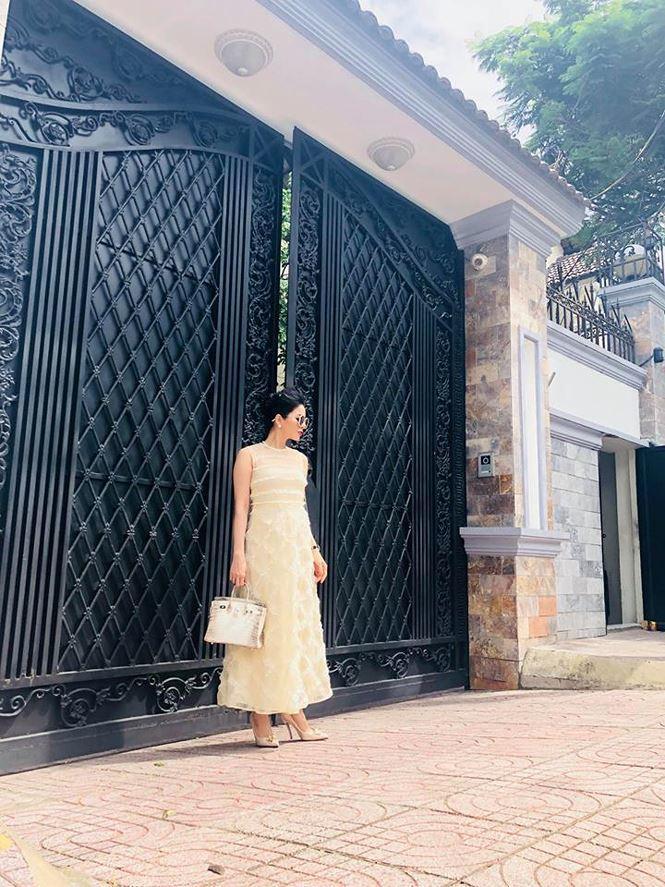 Bên trong 2 căn biệt thự triệu đô ở Việt Nam và Mỹ của Lệ Quyên-2