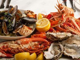 CLIP: Bỏ ngay những thói quen này khi ăn hải sản nếu không muốn mang bệnh vào người