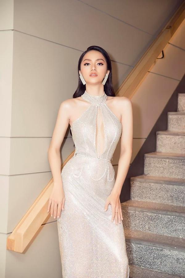 Hễ xuất ngoại là Hương Giang lại ám ảnh fan quốc tế với chiêu thời trang thần thánh này-1