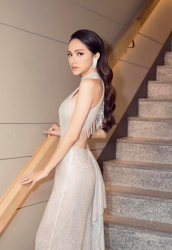 Hễ xuất ngoại là Hương Giang lại ám ảnh fan quốc tế với chiêu thời trang thần thánh này-2