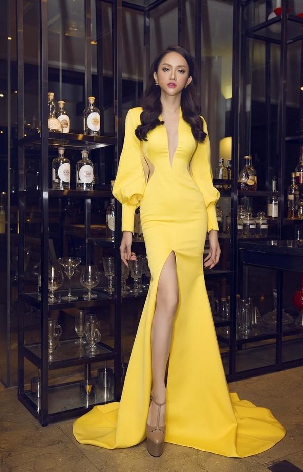Hễ xuất ngoại là Hương Giang lại ám ảnh fan quốc tế với chiêu thời trang thần thánh này-8