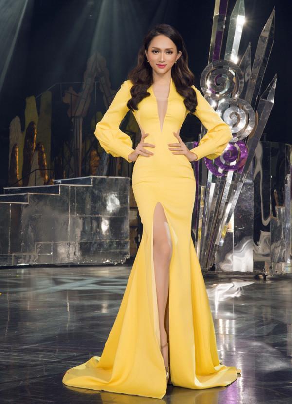 Hễ xuất ngoại là Hương Giang lại ám ảnh fan quốc tế với chiêu thời trang thần thánh này-9