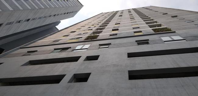 Hà Nội: Bé trai rơi từ tầng cao chung cư Linh Đàm tử vong khi được gửi sang nhà người quen-4
