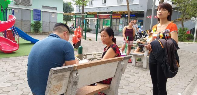 Hà Nội: Bé trai rơi từ tầng cao chung cư Linh Đàm tử vong khi được gửi sang nhà người quen-5