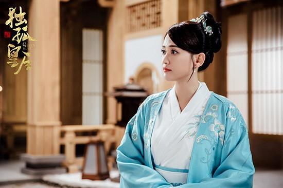 Sau Châu Tấn, đến lượt Trần Kiều Ân bị chê già nhưng vẫn cố cưa sừng làm nghé diễn vai thiếu nữ-4