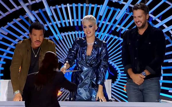 Minh Như khoe giọng khủng tại American Idol 2019 khiến Katy Perry tròn xoe mắt kinh ngạc-5