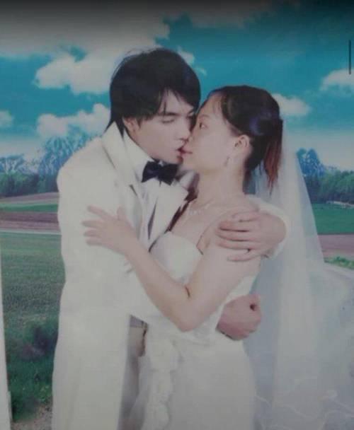 Đang yên đang lành lại chụp ảnh cưới, biểu cảm buồn nôn của cô dâu khiến dân mạng cười ngất-1