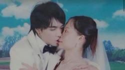 Đang yên đang lành lại chụp ảnh cưới, biểu cảm 'buồn nôn' của cô dâu khiến dân mạng cười ngất
