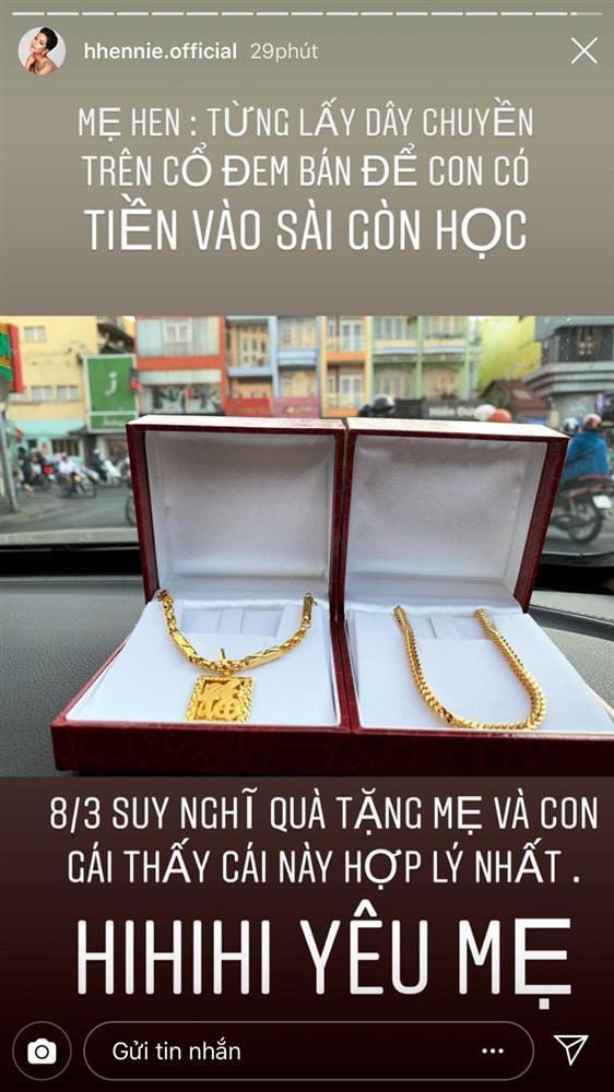 HHen Niê mua trang sức 80 triệu tặng mẹ, ai cũng cảm động khi biết câu chuyện đằng sau-1