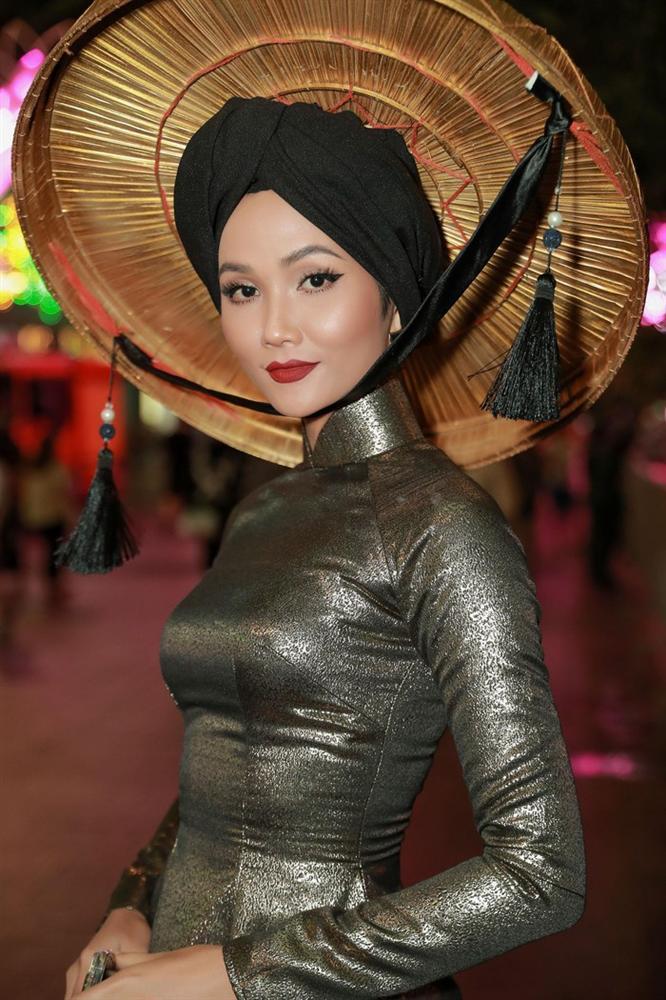 Hoa hậu HHen Niê được vinh danh trong danh sách 50 người phụ nữ ảnh hưởng nhất Việt Nam năm 2019-3