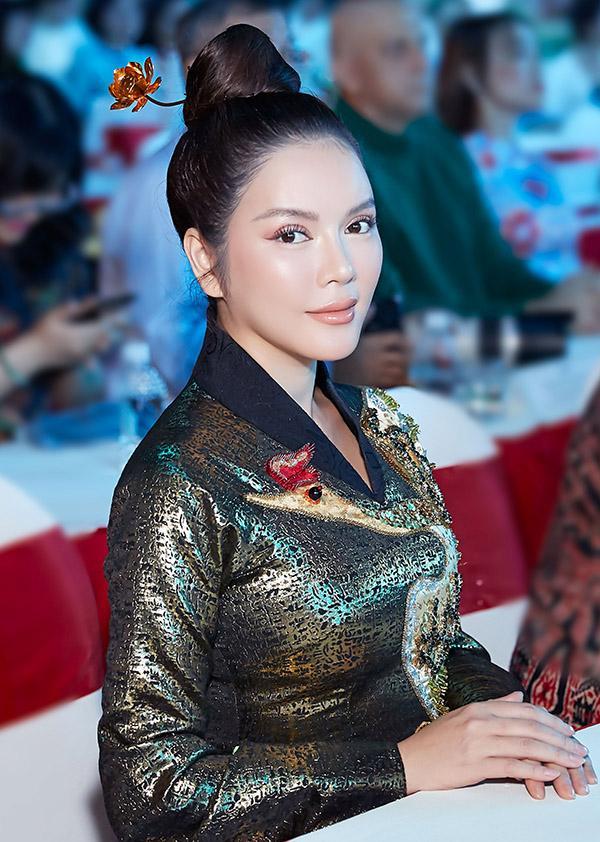 Bộ sưu tập những gương mặt lạ lẫm tuần qua gọi tên MC Nguyên Khang - Lâm Khánh Chi - Phạm Hương-10