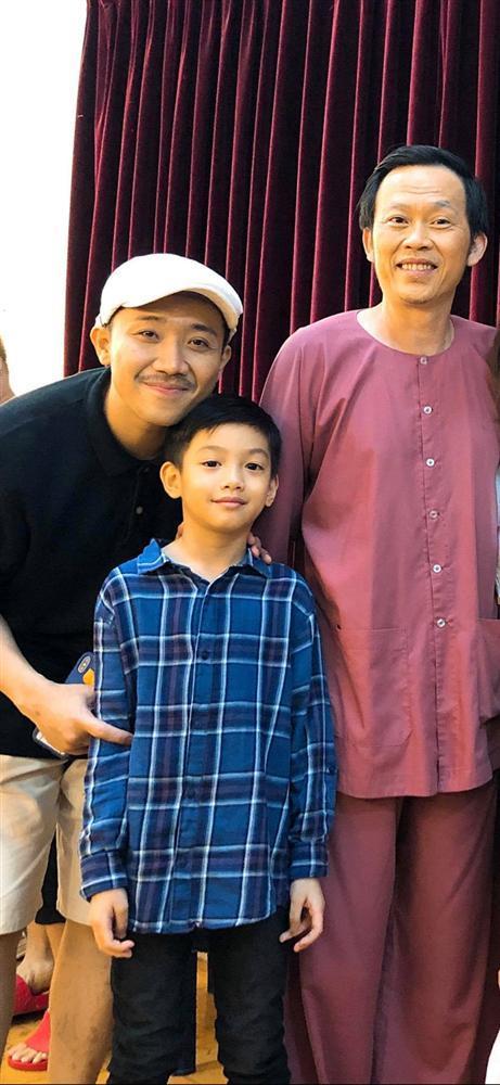 Con trai Cường Đô La - Hà Hồ lớn phổng phao, học giỏi, thích thể thao-11