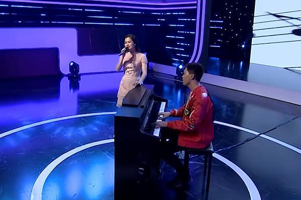 Tưởng Lâm Vỹ Dạ chỉ biết diễn hài, ai ngờ chuyên nghiệp như Trương Thế Vinh cũng điêu đứng khi nghe Vỹ Dạ cất tiếng hát-3