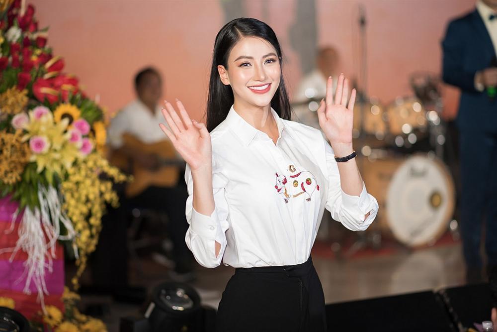 Hoa hậu Trái đất Phương Khánh bị nghi phẫu thuật thẩm mỹ vì phần mũi như kèn saxophone-3