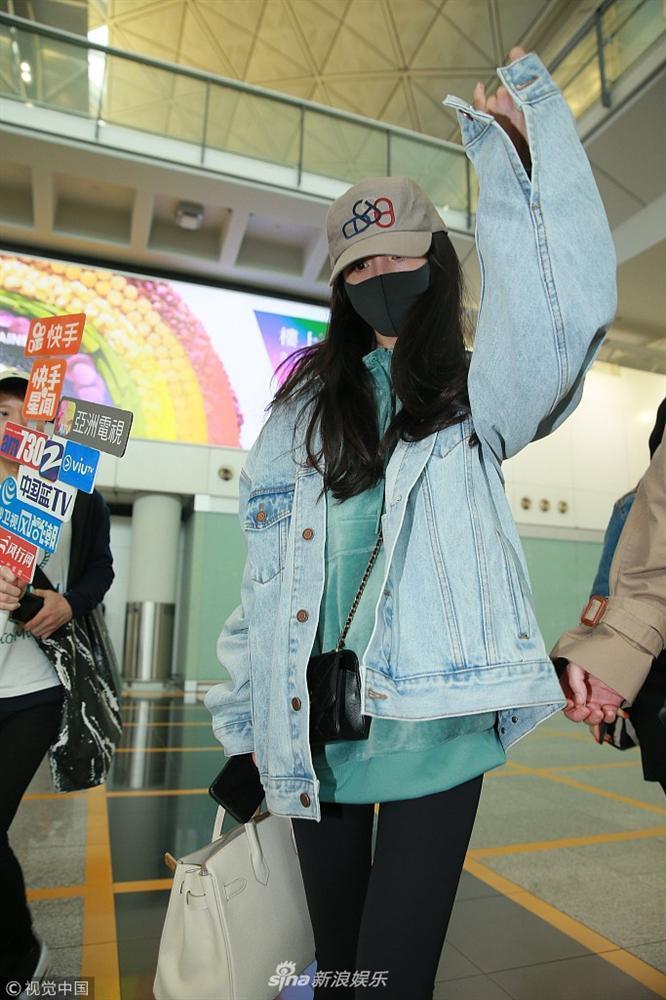 Liên tục về Hong Kong sau ly hôn, rút cục Dương Mịch muốn thăm con hay hẹn hò Tạ Đình Phong?-3