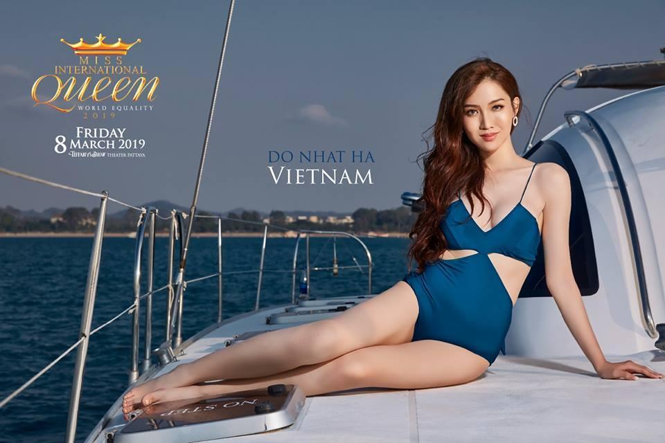 Nhật Hà khoe chân dài miên man nhưng để lộ eo bánh mì khi show bikini tại Hoa hậu Chuyển giới Quốc tế 2019-1
