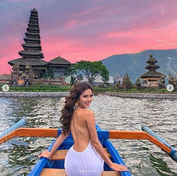 Phương Trinh Jolie thích thú vì có thể khỏa thân dạo chơi ở khu du lịch-1