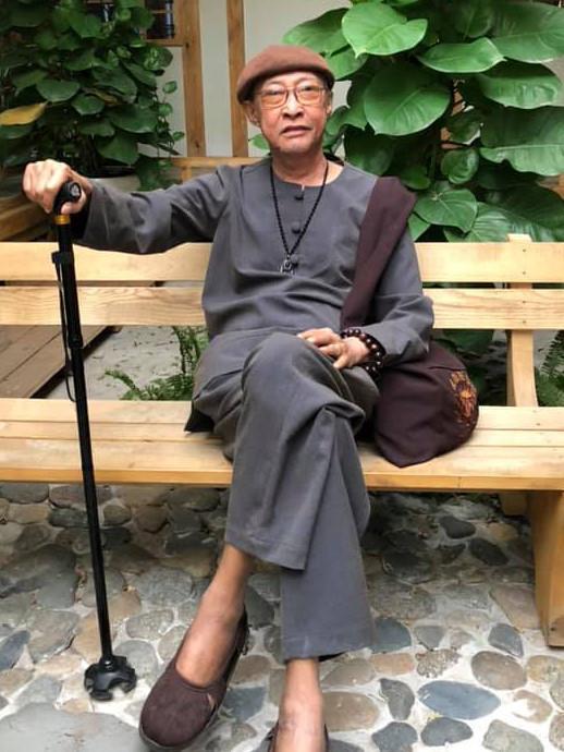 Sức khỏe tiến triển, nghệ sĩ Lê Bình bắt đầu đi diễn lại-1