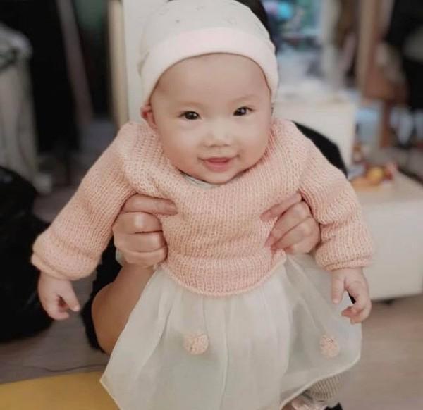 Fan 'khóc thét' vì khuôn mặt lầy lội lẫn hài hước của Cici Anh Chi, định 'hỏi tội' bố JustaTee và mẹ Trâm Anh-4