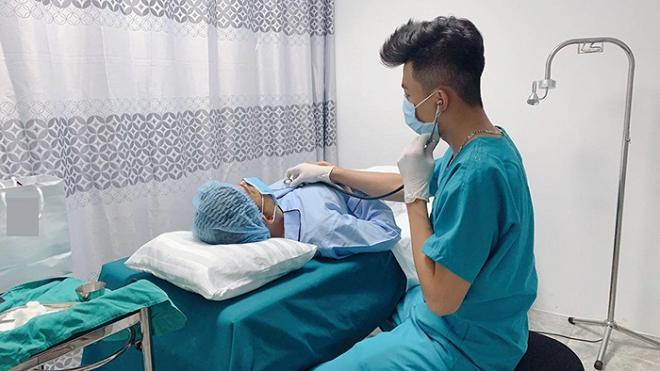 Giữa tin đồn phẫu thuật chuyển giới, Long Nhật đổ dầu vào lửa khi công khai hình ảnh nằm trên giường bệnh-4