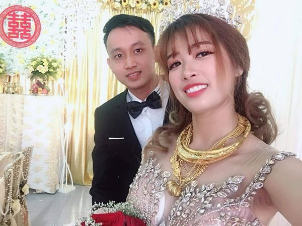 Cô dâu số hưởng nhất mạng xã hội hôm qua: Của hồi môn trĩu cổ toàn vàng, đã vậy còn lấy được chồng đẹp như soái ca-3
