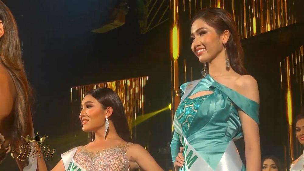 Chọn sai trang phục, may thay Nhật Hà gỡ gạc bằng pha xoay váy điệu nghệ tại bán kết Hoa hậu Chuyển giới 2019-6
