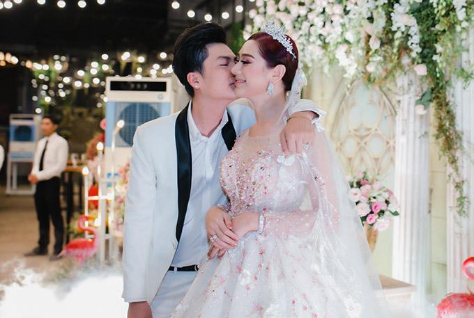 Chồng Lâm Khánh Chi: Tôi rùng mình, nổi da gà khi lần đầu gặp vợ-2