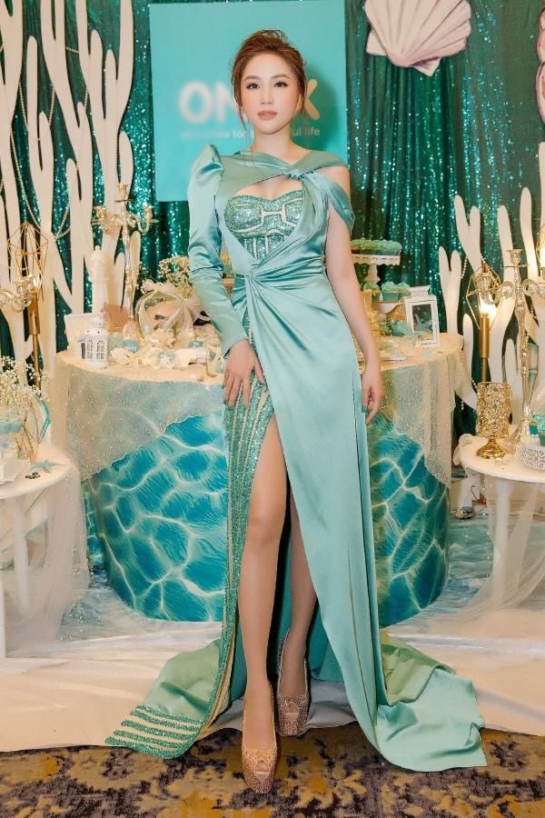 Đã mặc váy cũ của Bảo Thy thì chớ, mỹ nhân chuyển giới Nhật Hà lại còn mắc lỗi sến rện tại Miss International Queen 2019-5