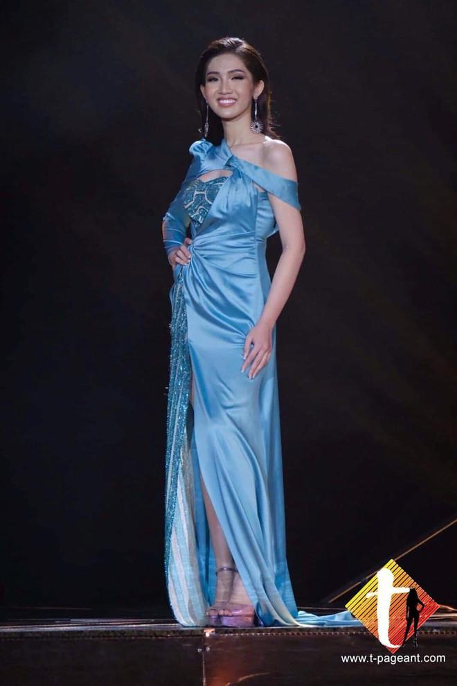 Dân mạng kết tội Hương Giang đem con bỏ chợ khi bỏ mặc Nhật Hà chịu cảnh váy xấu giày rách trên sân khấu Hoa hậu Chuyển giới-3