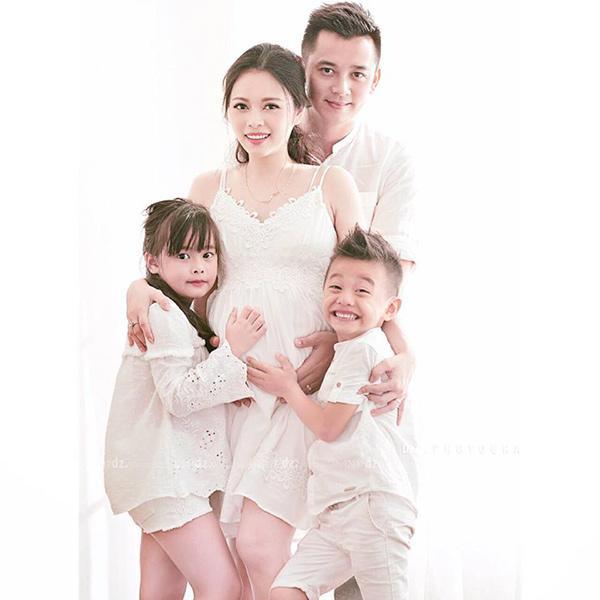 Sinh con thứ 4 gần 3 tháng, Hằng Túi bất ngờ nổi lửa dân mạng khi tiết lộ giao ước chăm con chung, con riêng với chồng mới-2