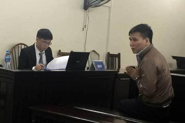 Châu Việt Cường chắp tay xin lỗi mẹ cô gái xấu số-4