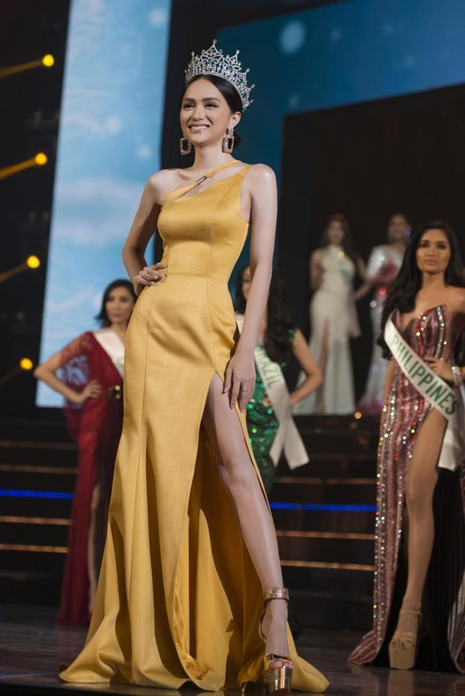 Những khoảnh khắc đẹp tựa nữ thần giúp Hương Giang càn quét dàn mỹ nhân trong nước và quốc tế-5