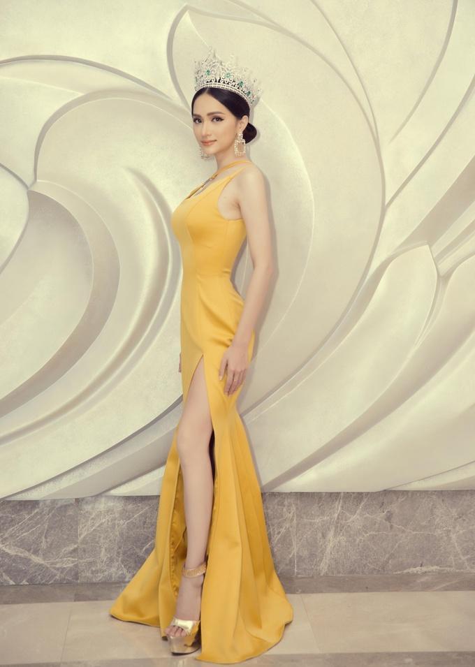 Những khoảnh khắc đẹp tựa nữ thần giúp Hương Giang càn quét dàn mỹ nhân trong nước và quốc tế-4