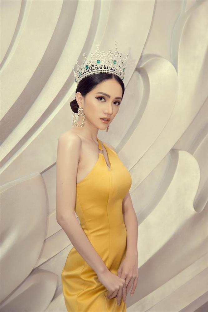 Những khoảnh khắc đẹp tựa nữ thần giúp Hương Giang càn quét dàn mỹ nhân trong nước và quốc tế-1